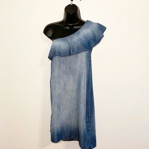 Cloth & Stone Chambray One Shoulder Dress